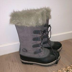 Sorel Snow Boots (kids size 5 / women's size 7)